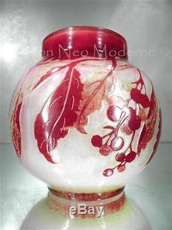 1900-10 Gallé Nancy Petit Vase Baies Rouges En Pte De Verre Gravé Art Nouveau