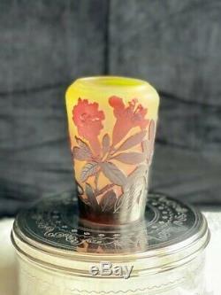 1900 Emile Gallé Vase Weigélias en pâte de verre dégagé à l'acide Art Nouveau
