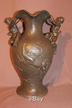 Ancien et grand vase en étain époque art nouveau signé Kinsburger