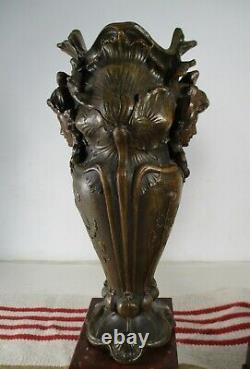 Ancienne Paire de Vases Art Nouveau Patine Bronze en Regule Moreau c. 1900