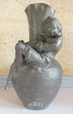 Auguste Moreau grand vase étain art nouveau pecheur