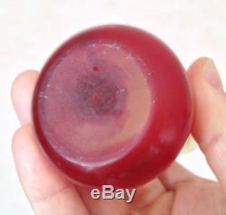 Beau vase pate de verre Art nouveau rouge signé Gallé, décor fruits fleurs
