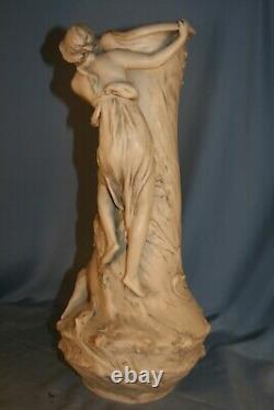Céramique Royal Dux vase jeune fille art nouveau jugendstil