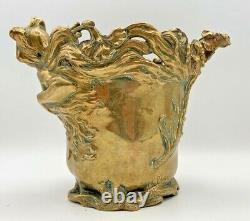 Charles LOUCHET PARIS R. C. PEYRE Vase bronze art nouveau dans le style mucha