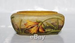 DAUM à NANCY Précieux Vase Coupe illet Pâte de Verre Gravé Émaillé Art Nouveau