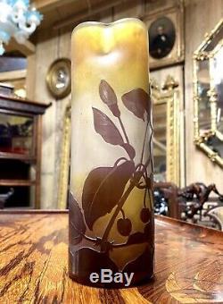 Emile Gallé Vase Art Nouveau A Col Trilobé En Pate De Verre, Vers 1900