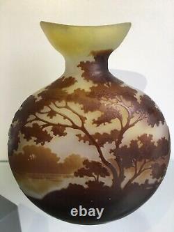 Émile Gallé Vase Paysage Lacustre Époque Art Nouveau Daum Legras