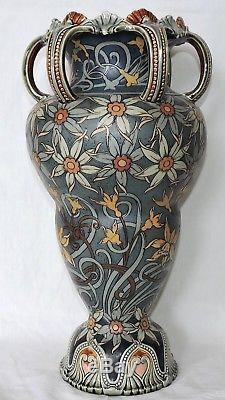 Grand Vase Art Nouveau En Ceramique De Mettlach Jugenstil