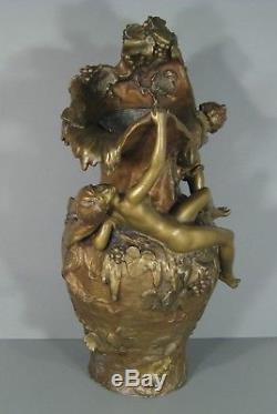 Hippolyte Moreau Vase Ancien Style Art Nouveau Décor Femme Nue Et Enfant