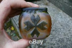 Joli petit vase en pâte de verre Epoque Art Nouveau Jugendstil