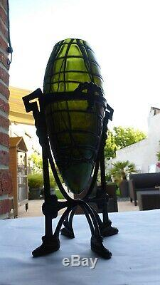 KRALIK. Vase ovoïde. Monture métal patiné. Circa 1900. Période Art-Nouveau. 28 cm