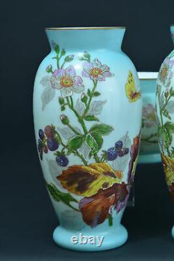 Paire de grands vases anciens opaline Art Nouveau garniture Papillon cerisier