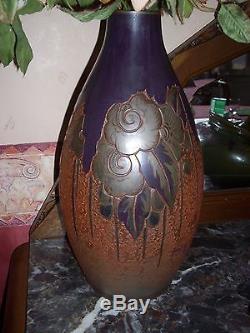 Paire de vases oblongs art déco, pates de verre DAUM, signé MODA