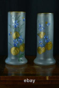 Paires de vases ancien Art Nouveau verre givré fleurs bleues et feuillages or