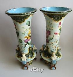 Paris. Paire de vases art nouveau en faïence à décor de fleurs et d'insectes XIX