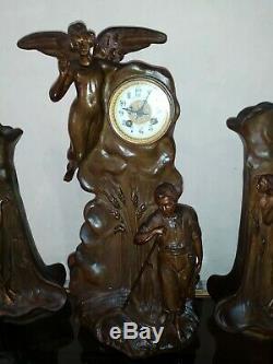 Pendule et vase garniture Art Nouveau Bobbia C. 1900 en régule statue