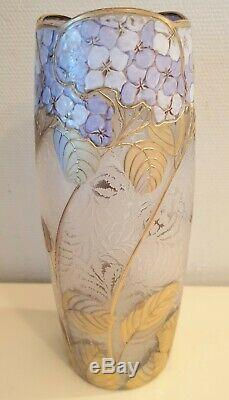 RARE VASE MONTJOYE CRISTALLERIE Hortensias circa 1900 ART NOUVEAU