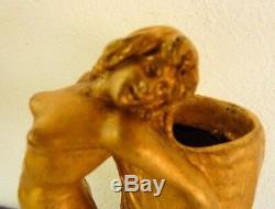 Rare vase en bronze art nouveau signé Korschann
