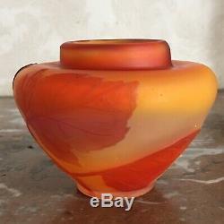 Superbe petit vase Emile Gallé Art-Nouveau vigne vierge Orange Camé Dégagé Acide
