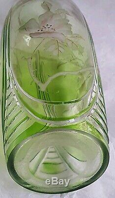 Vase Art Nouveau Cristal De Boheme Vert Fleurs Gravees Et Dorees Ca 1900 H 25,5