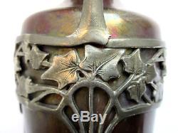 Vase Art Nouveau JUGENDSTIL, grès irisé dans armature étain sculptée de Lierre