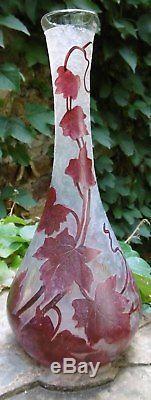 Vase Art Nouveau Verre Soliflore signé Legras Décor de feuillages grimpants