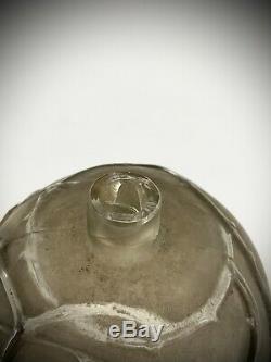 Vase Eglantine signé R. Lalique verre soufflé 1921 Art Nouveau (Accident col)