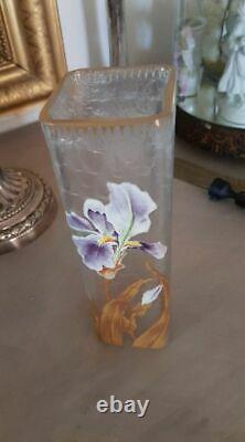 Vase LEGRAS Art Nouveau en verre émaille à décor d' iris