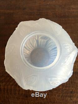 Vase VERLYS art déco art nouveau en verre opalescent
