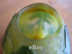 Vase art nouveau-pate de verre dégagée à l'acide-signé THEBES-daum-gallé VSL