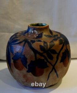 Vase art nouveau signé DAGE décor de feuilles et fruits de maroniers #5151#