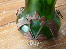 Vase art nouveau verre irisé monture cuivre rouge H 20 cm, gout de Loetz