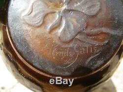 Vase aux clématites signé Emile Gallé sous la base époque art nouveau