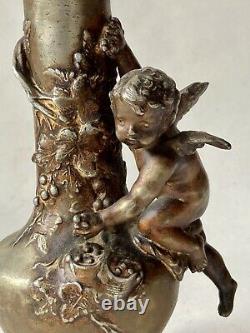 Vase en Régule Signé Auguste MOREAU Ange Chérubin Vigne Art Nouveau Vers 1900