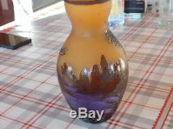 Vase en pâte de verre multicouche art nouveau gravé a lacide signé Emile Gallé