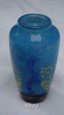 Vase pâte de verre Bleu Marmoreen signé Daum croix de Lorraine Nancy France