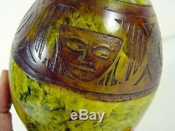 Vase verre soufflé gravé acide Art Nouveau décor de Tetes filles signé Legras